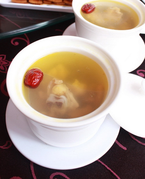 紅棗黃芪燉雞湯 | 美食雅廚 YaCook