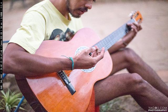 Guitar Musician in Samaipata16952101172_ab2f45afa5_z