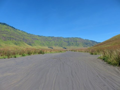 Java volcan bromo en scooter