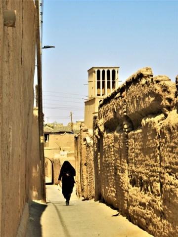 Iran Yazd ruelle tchador