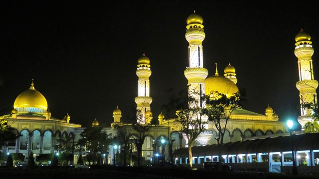 Brunei Mosquée Jame'Asr Hassanil Bolkiah nuit
