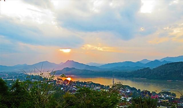 Laos Luang Prabang mont Phu Si
