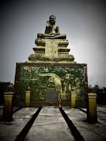 Cambodge Kampot Bokor bouddha