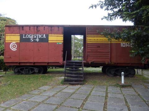 Cuba Santa Clara train
