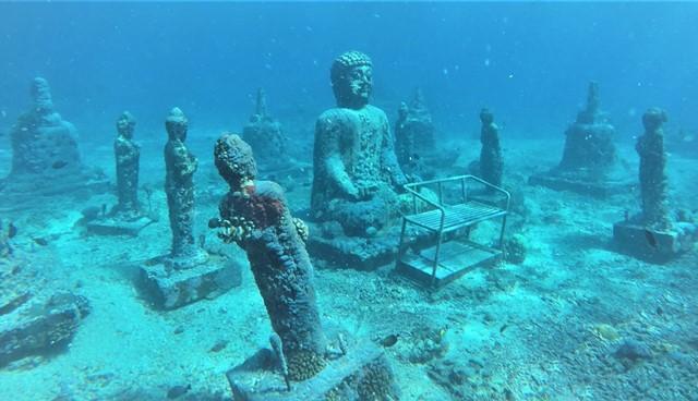 Nusa Penida bouddha snorkeling