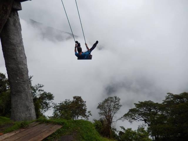 Equateur Banos Casa del Arbol balançoire