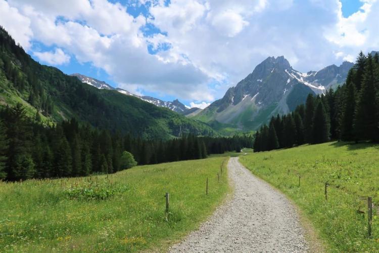 Trek du Tour du Mont Blanc La Balme
