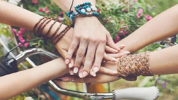 موضوع تعبير عن اهمية الصداقة في حياة الانسان