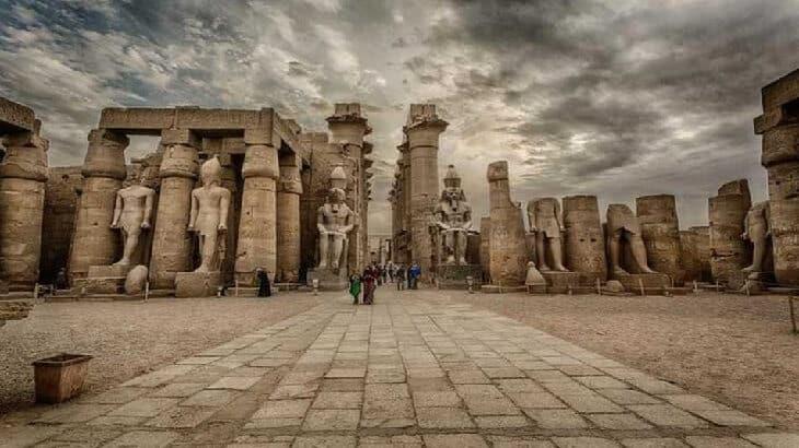 موضوع تعبير عن اهم المعالم السياحية فى مصر يلا نذاكر