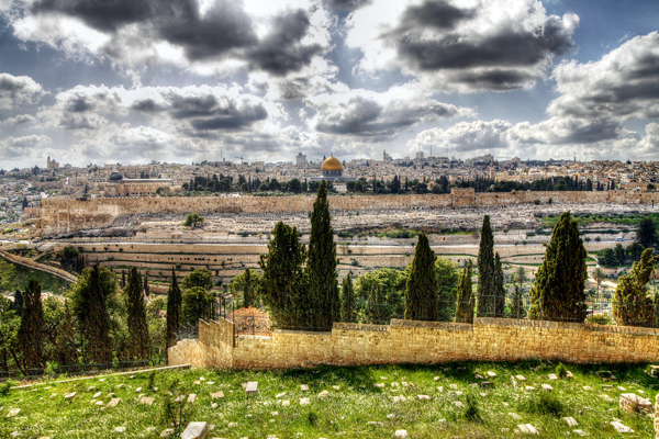View of Jerusalem Old City from the Mount of Olives, photo by Noam Chen, courtesy of Israel Ministry of Tourism