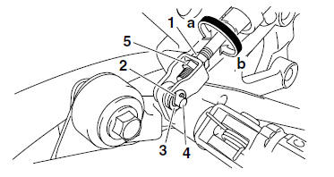 Yamaha YZF-R125 Service Manual: Adjusting the rear disc