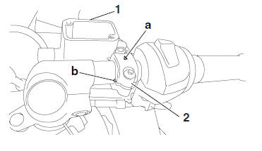 Yamaha YZF-R125 Service Manual: Installing the front brake