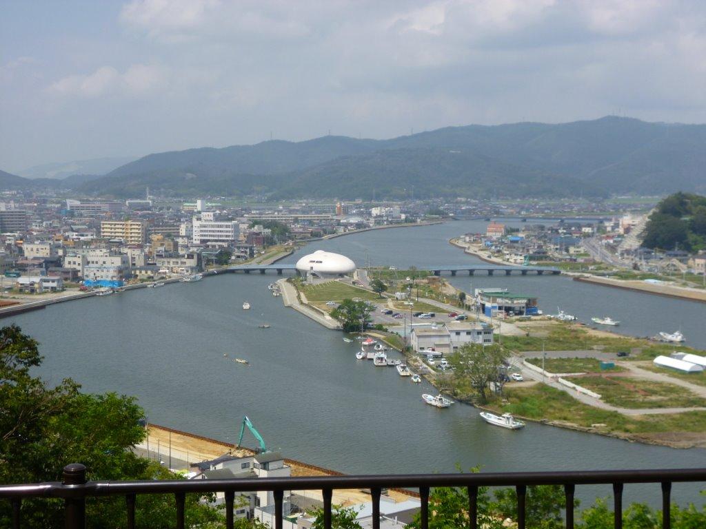 日和山から石巻市門脇地區を一望・被災地視察・復興加速へ ...