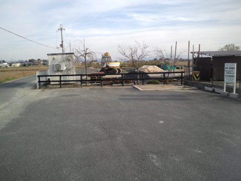 墓地の前に駐車場があり、お参りしやすいです