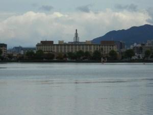 対岸の漕艇場