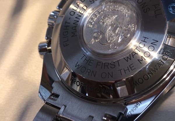 腕時計 オメガ スピードマスター プロフェッショナルの裏蓋側