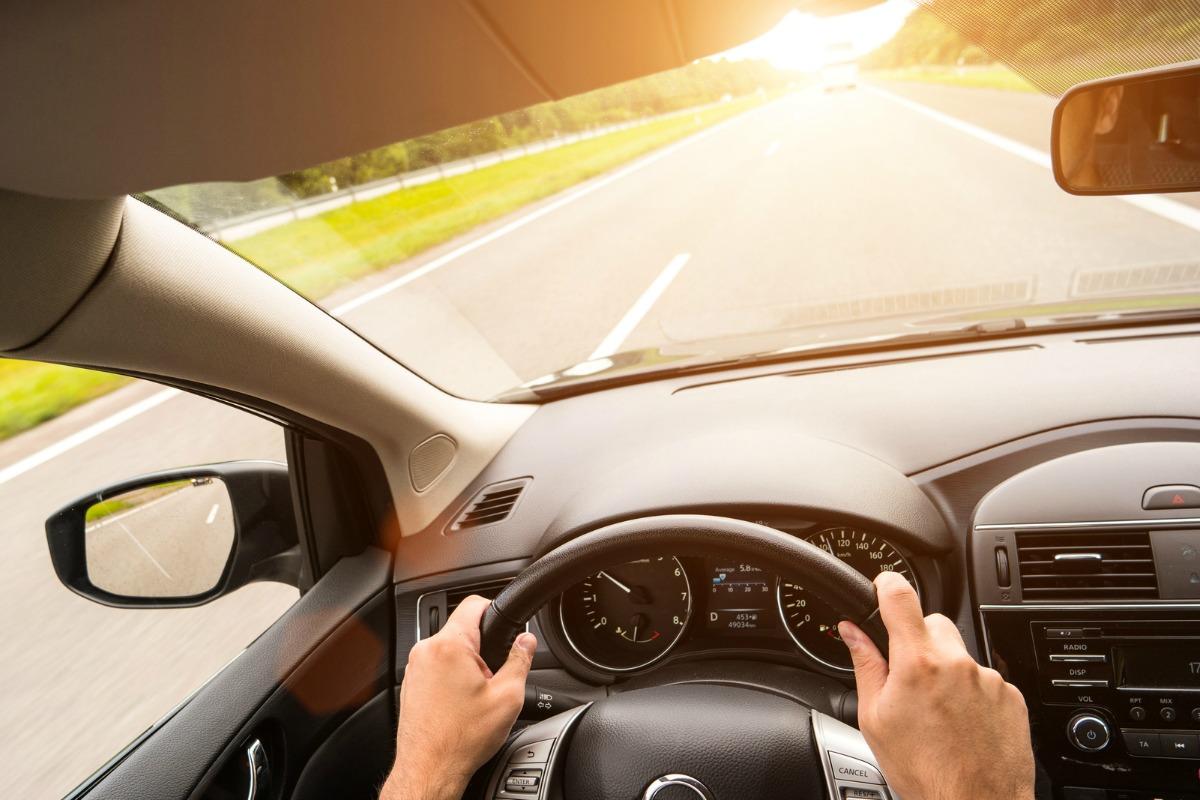 Como evitar marearse en el coche