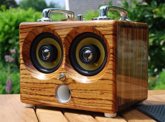 Thodio iBox: iPod Dock Kayu Berdesain Retro