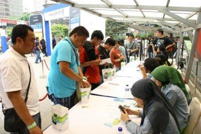 Penjualan Perdana Samsung Galaxy Y: Antrean Mengular, Diskon Khusus Untuk Pelajar 3