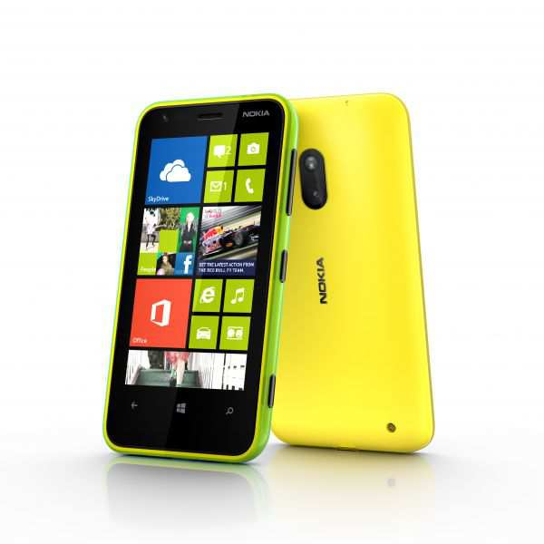 600-nokia_lumia_620_lime-green-and-yellow