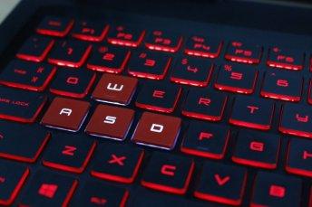 Review HP OMEN 15-ce086tx, Laptop <em>Gaming</em> Terjangkau dengan <em>Build Quality</em> Jempolan 6