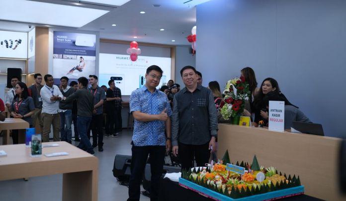 Huawei Resmikan <em>High-End Experience Shop</em> Pertamanya di Indonesia 1