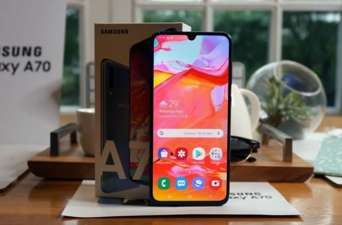 Hadir di Indonesia, Samsung Galaxy A70 Dijual dengan Harga 5,8 Juta Rupiah 3