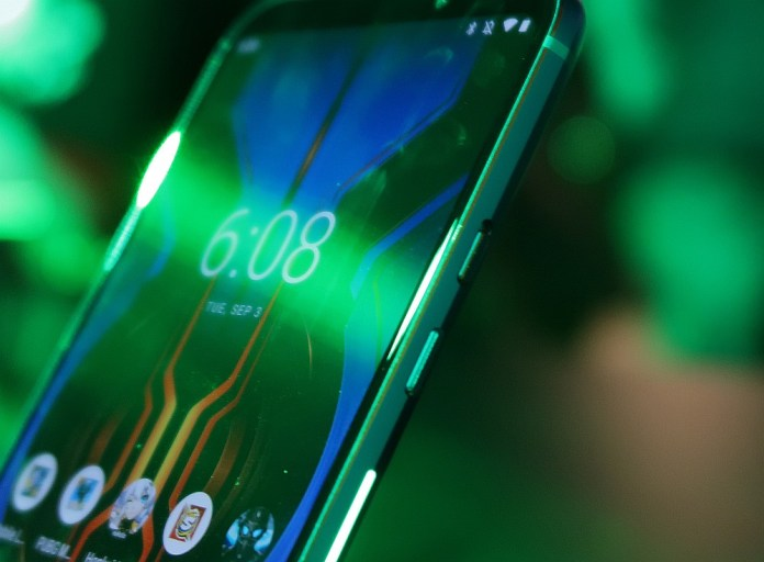 [Hands-On] Kesan Pertama Menggenggam Ponsel Gaming Black Shark 2 Pro 4