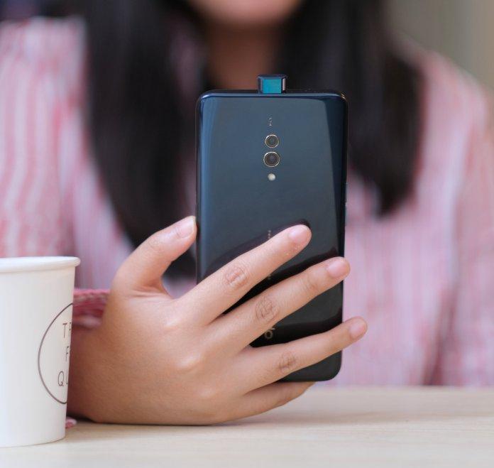 Review OPPO K3: Smartphone Layar Penuh dengan Kamera Pop-Up Paling Terjangkau dari OPPO