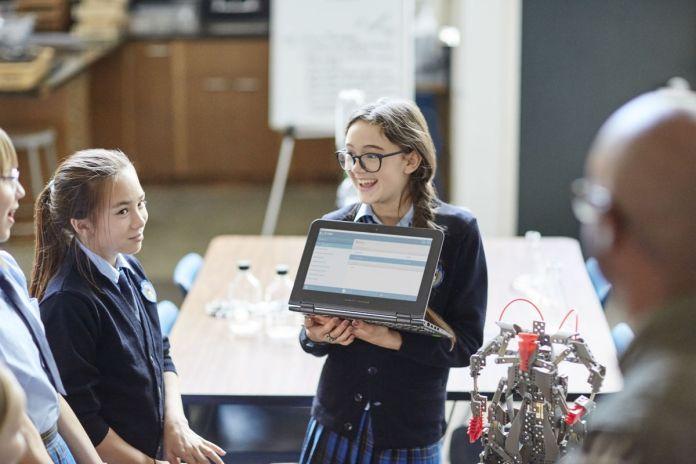 [Gadget Guide] Panduan bagi Pelajar dan Mahasiswa Memilih Laptop HP yang Cocok di Hati dan Dompet