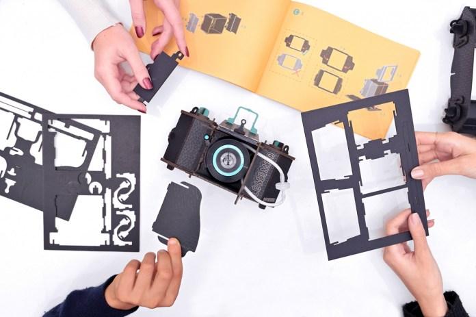 LomoMod No.1: Kamera Analog Medium Format Pertama dengan konsep DIY dan Lensa Sutton Liquid-Filled 2