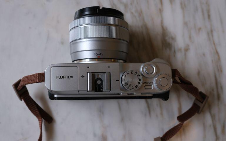Fujifilm X-A7 tampak atas