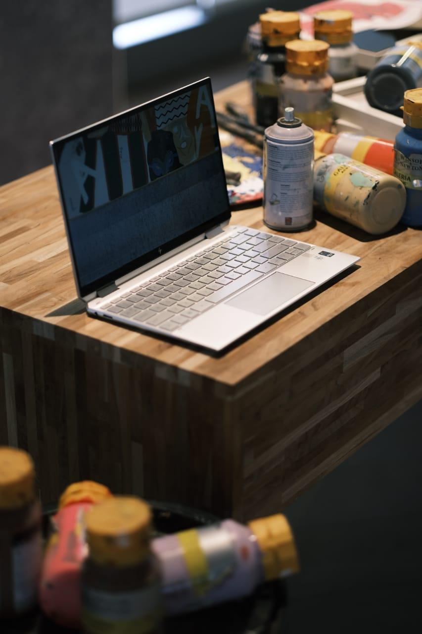 HP Spectre x360 2019 desk