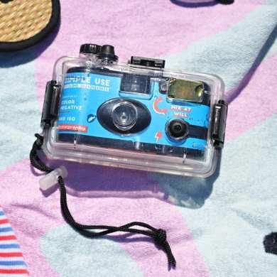 Lomography Analogue Aqua Camera 1 1