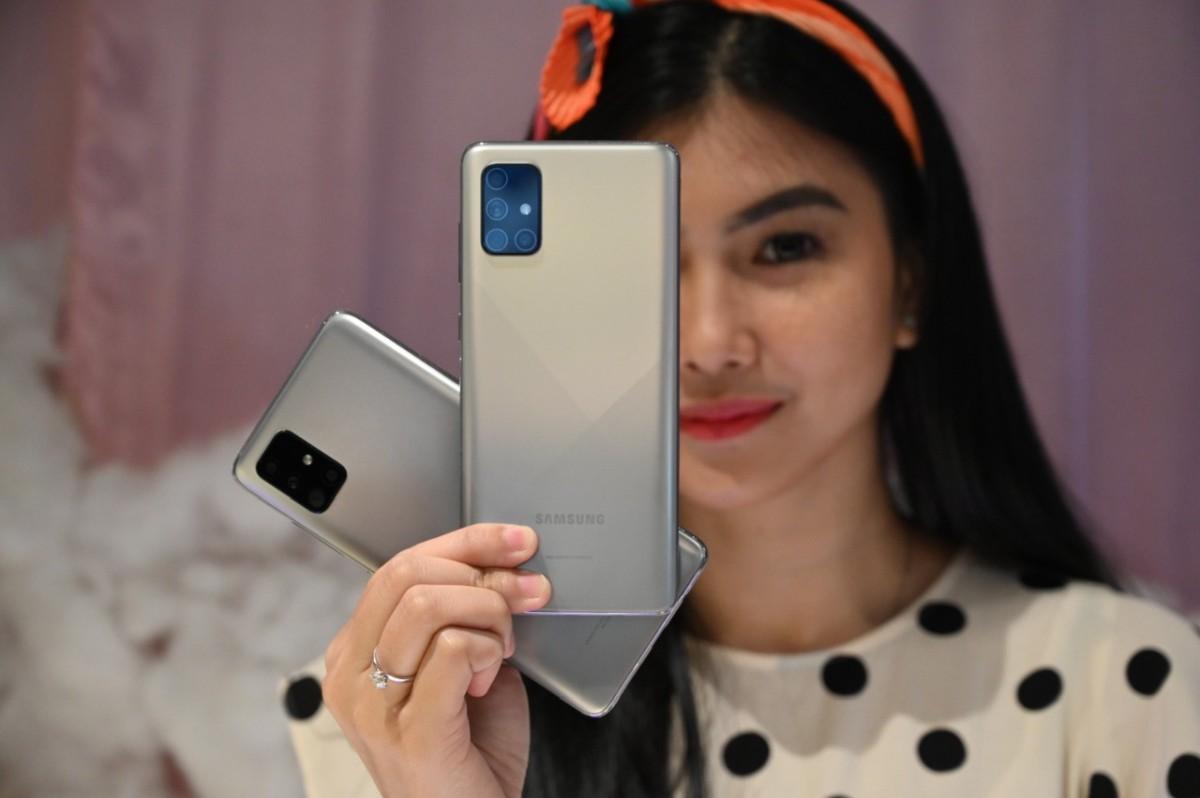Galaxy A51 Galaxy A71 Haze Crush Silver 2
