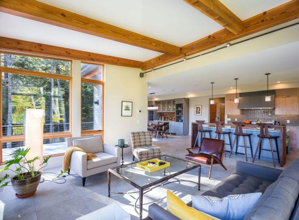 Mid Century Modern by Yankee Barn Homes