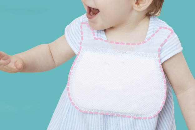 ideebebe_disposable_bibs_layout Ideebebe's Super-absorbent Bibs Make Parenting a Little Less Hassling Design Random