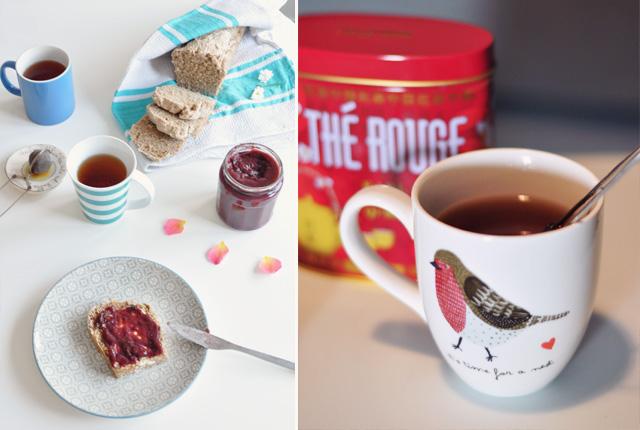Petit-déjeuner avec du pain maison et une tasse de thé de l'hospitalité Earl Grey