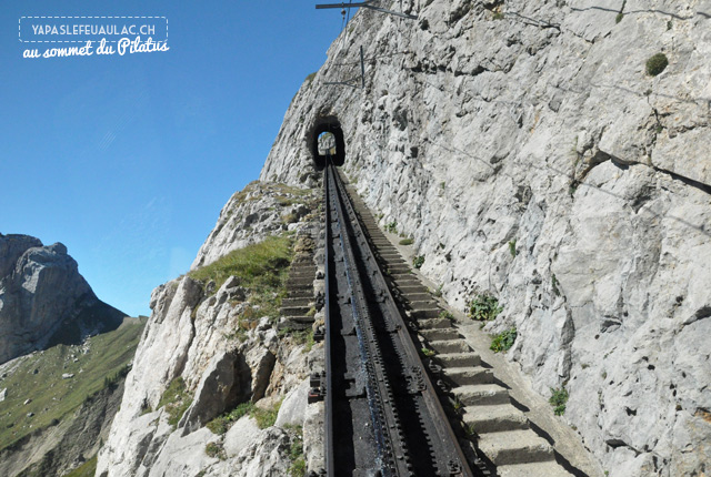 Train-Pilatus-voie-raide