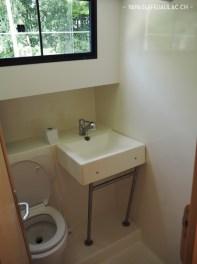 La salle de bain de la péniche - Croisière avec les Canalous