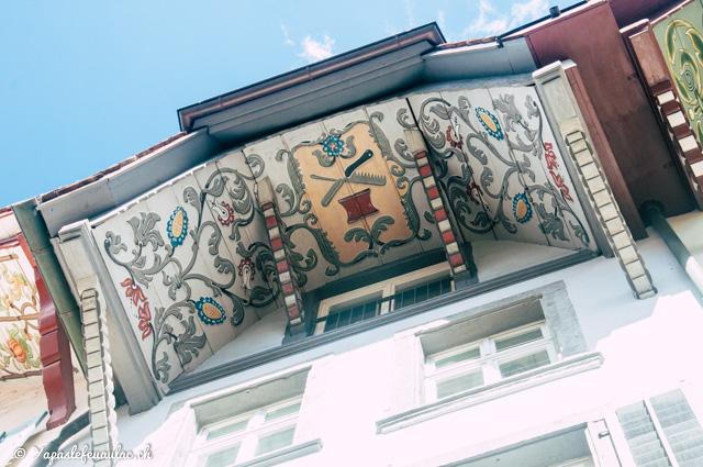 Dachhimmel: les magnifiques avants-toits peints d'Aarau - Voyage en Suisse sur le blog Yapaslefeuaulac.ch