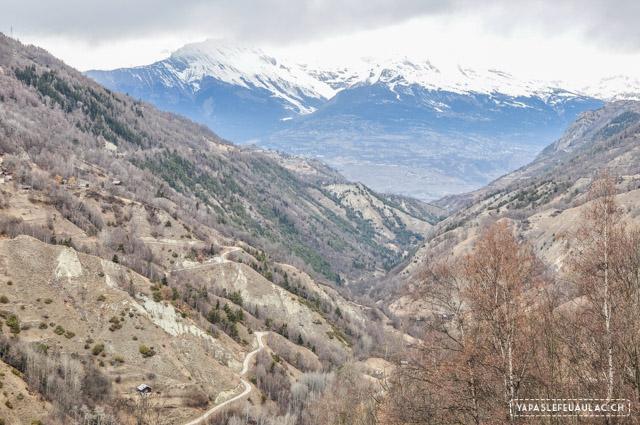 Découvrir la Suisse: voyage en Valais, au Val d'Hérens au-dessus de Sion