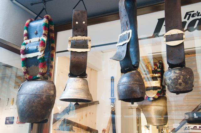 magasin-souvenirs-suisse (1)