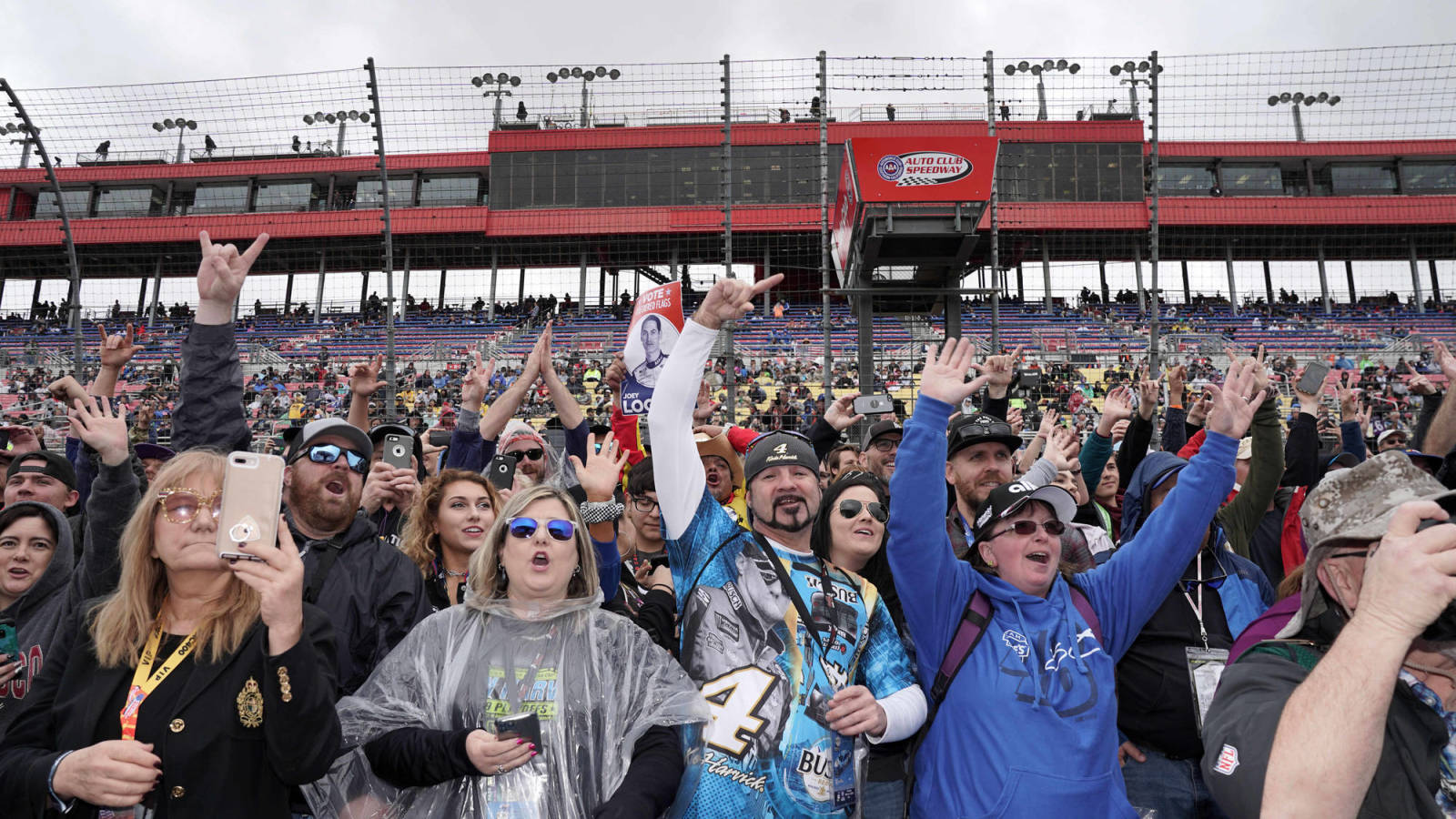 Photo of NASCAR welcomes fans to June 14 Homestead-Miami race, June 21 Talladega event