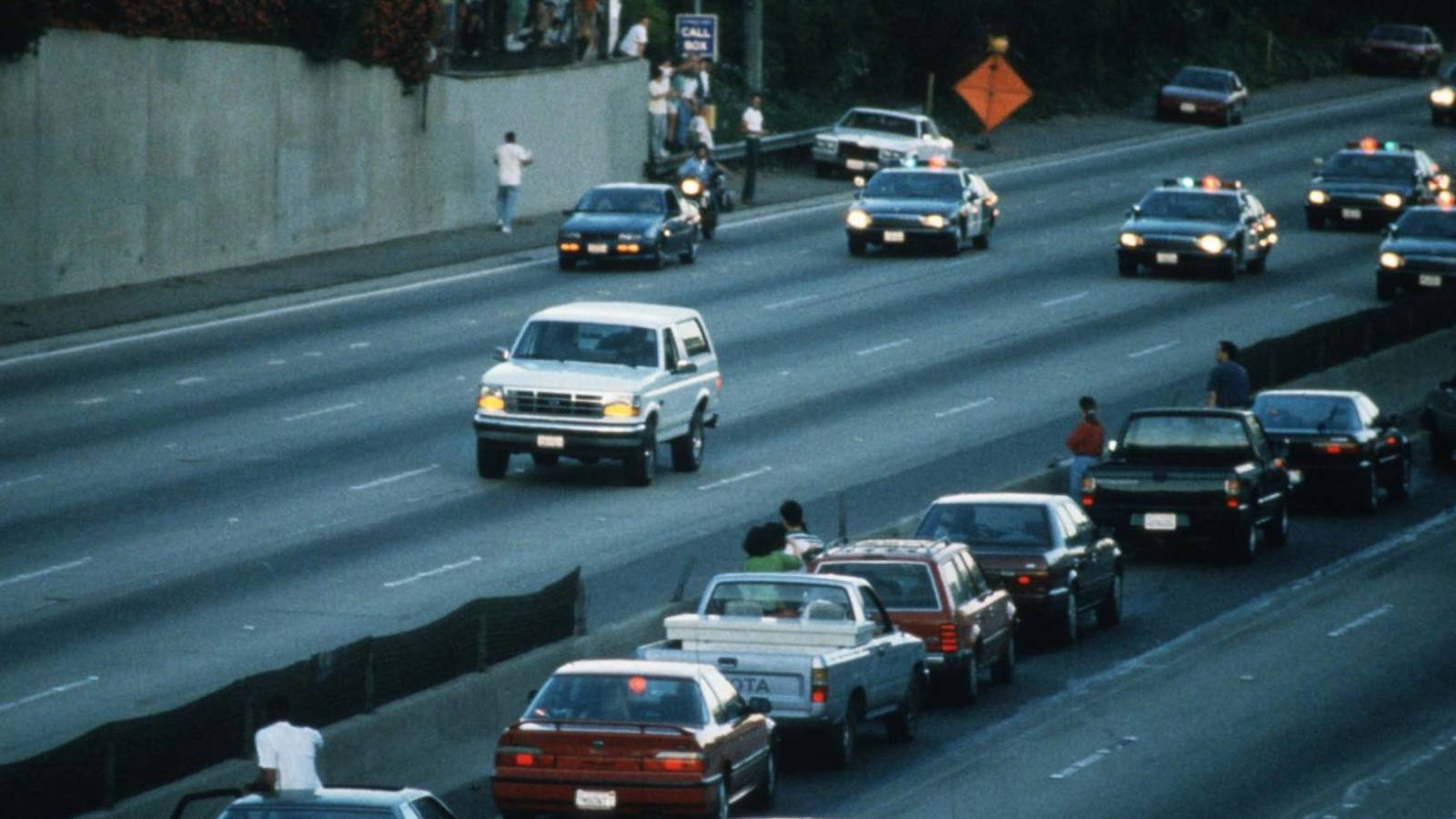 Photo of June 17 in sports history: A car chase that mesmerized America