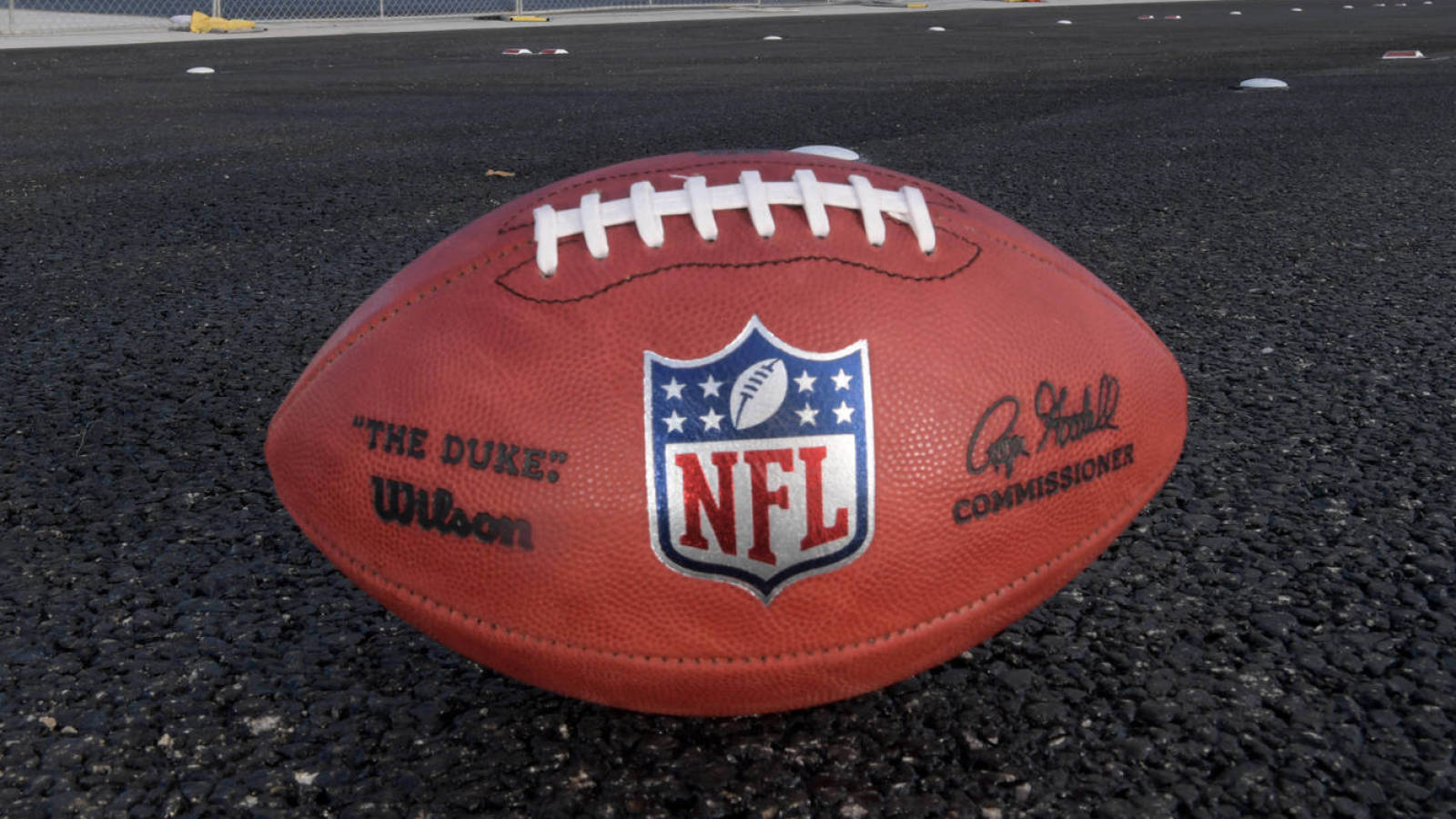 Photo of NFLPA advises players to stop group workouts due to COVID-19 outbreaks