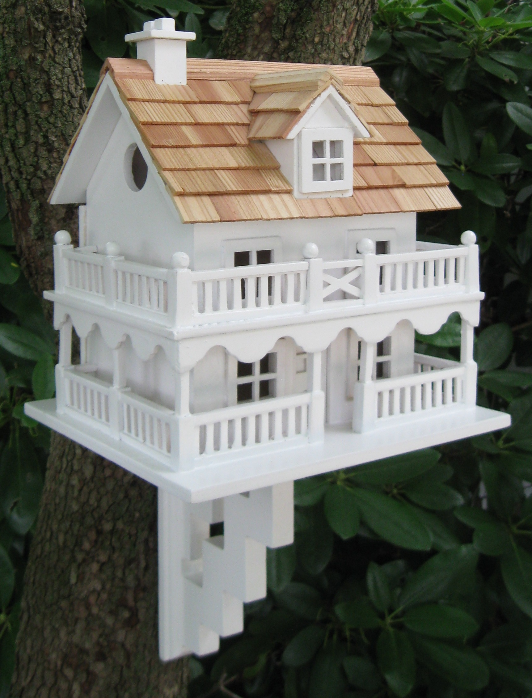 Novelty Cottage Bird House  Yard Envy