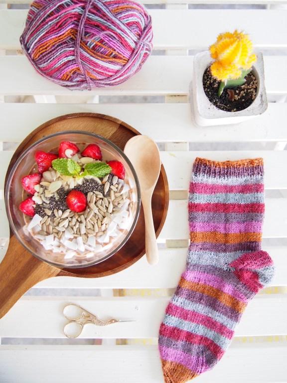 Addi Crasy Trio, Lana Grossa, Socken stricken, Smoothie Bowl, Frühstück, Thailand, geringelt, für Anfänger, rechte Maschen