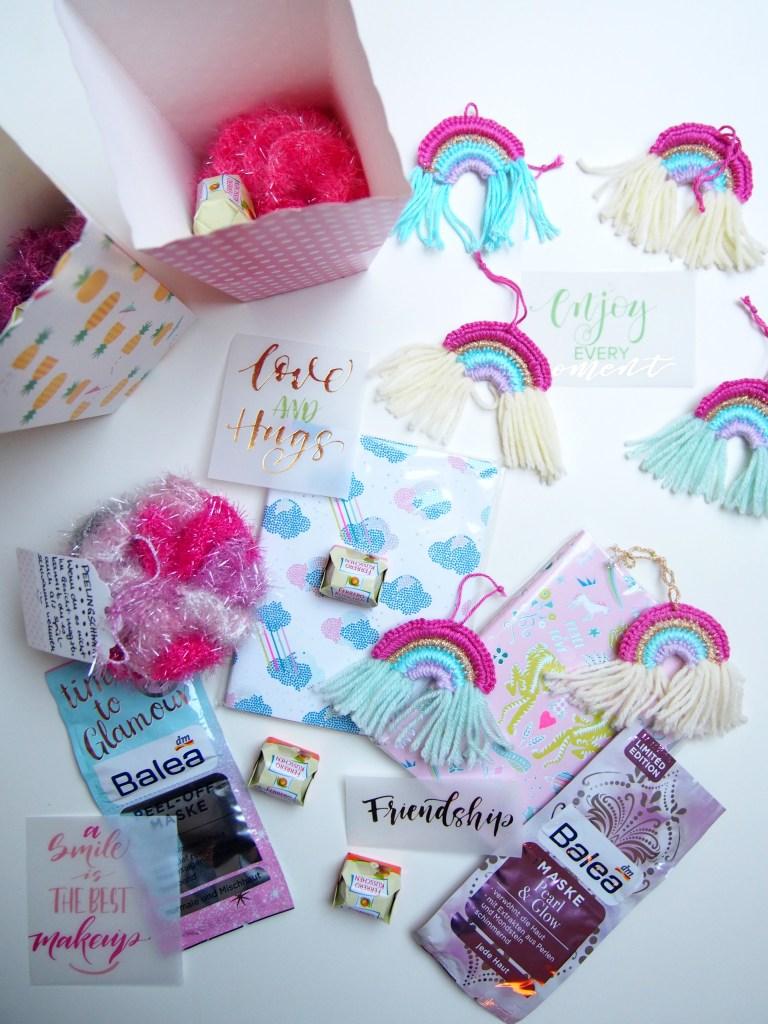 JGA, Dankeschön Geschenk, Junggesellinnenabschied, Regenbogen, love, Peelingsschwamm, Team bride, Hochzeitsvorbereitungen