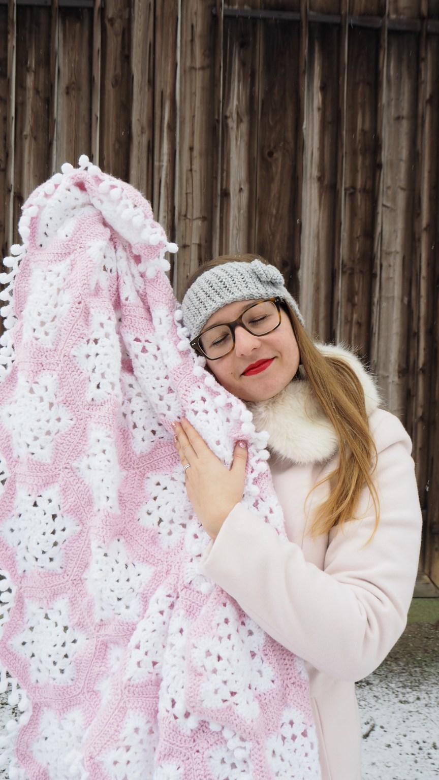 Schneeflöckchendecke, Häkeldecke, Rose, weiß, Decke, Häkeln, Grannys, Schnee, Schneeflöckchen